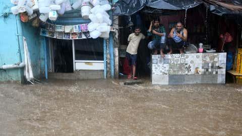 Heavy rains lash parts of Mumbai. (KK Choudhary/TOI, BCCL, Mumbai)
