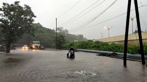 Heavy rain scenes in Mumbai. (KK Choudhary/TOI, BCCL, Mumbai)