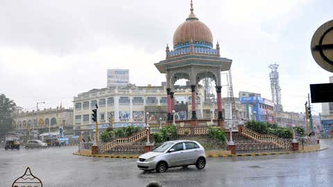 Heavy showers greeted Mysuru on Tuesday disrupting the Dasara related works even as it affected the tourists and commoners alike