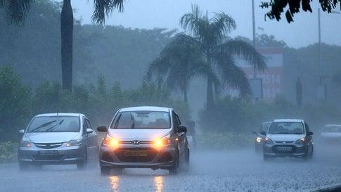 Rains Pound Mumbai's Northwestern Suburbs, Thane, Navi