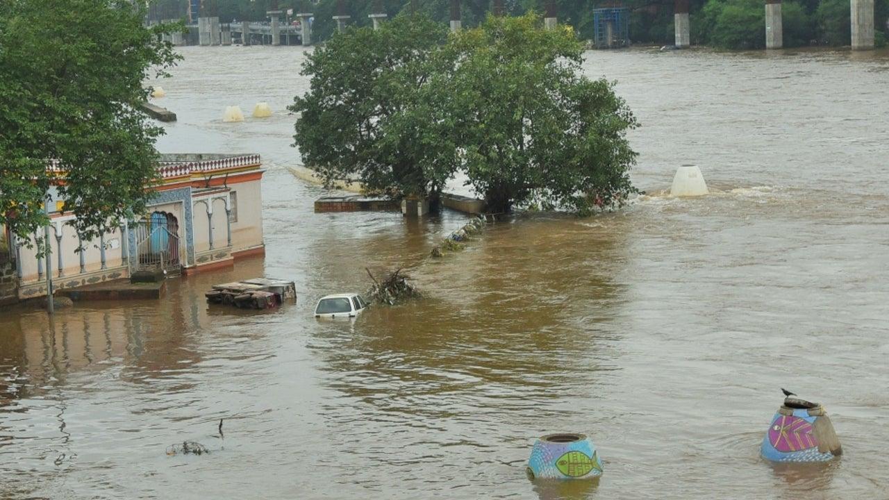 Heavy Spells of Rain Expected in Gujarat until Sunday Morning | The
