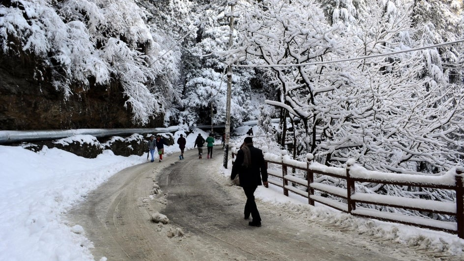 Manali Gets More Snowfall; Rains Lash Shimla