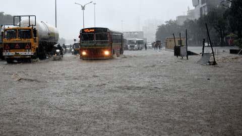Heavy waterlogging on roads. (KK Choudhary/TOI, BCCL, Mumbai)