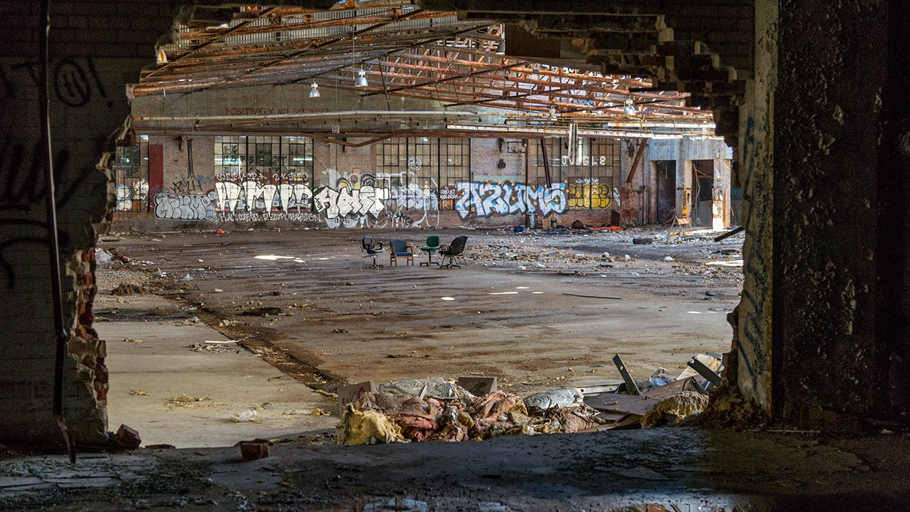 An abandoned building of unknown usage is photographed in Washington, D.C. (Liz Roll)