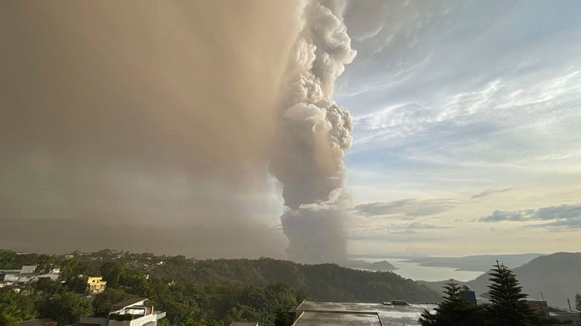 Thousands Evacuated Due to Taal Volcano Erupting in the Philippines