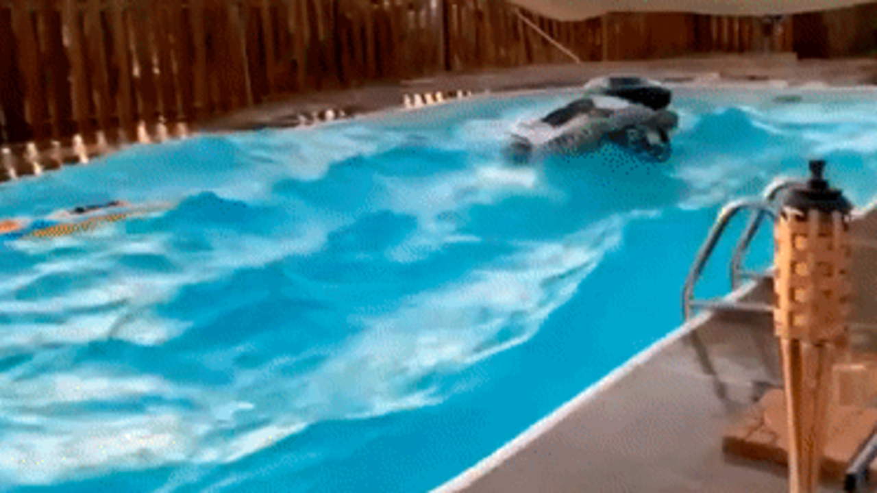 Pool Sloshes Uncontrollably as Aftershock Hits Southern California