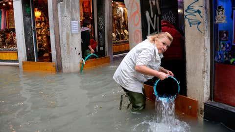 (Andrea Merola/ANSA via AP)