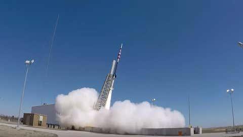 Lançamento de foguetão com paraquedas da NASA (Reprodução Youtube)