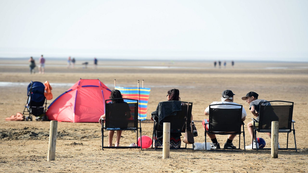 Records could be smashed as Easter warmth continues with mercury soaring