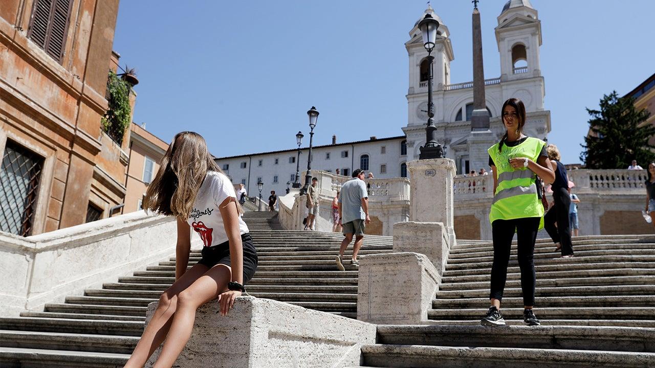 Rome Bans Sitting on Famed Spanish Steps