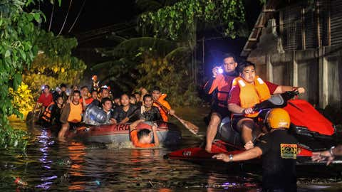 Tropical Storm Tembin lashed the Philippines with deadly flash floods and landslides in December 2017. (Credit: Getty Images)