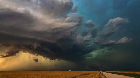 Severe hail storm works its way across the high plains of Kansas, USA