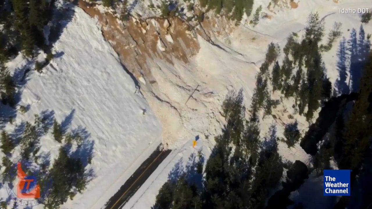 18 Meter hoch: Schneelawinen verschütten Autobahn