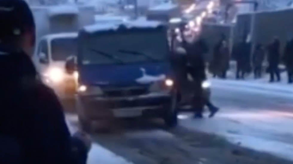 Moscow Snow Causes Multi-Vehicle Crash