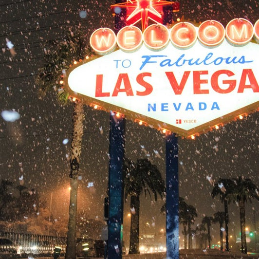Las Vegas Strip Sees First Measurable Snow In Over 10 Years The Weather Channel Articles From The Weather Channel Weather Com