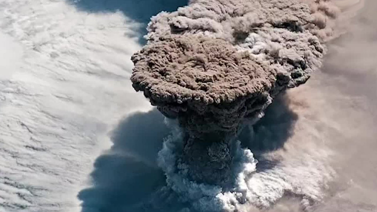 Rare Volcano Eruption Captured from ISS