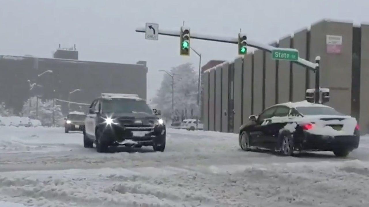 Winter Storm Slams into East Coast, Bringing Snow, Traffic Woes