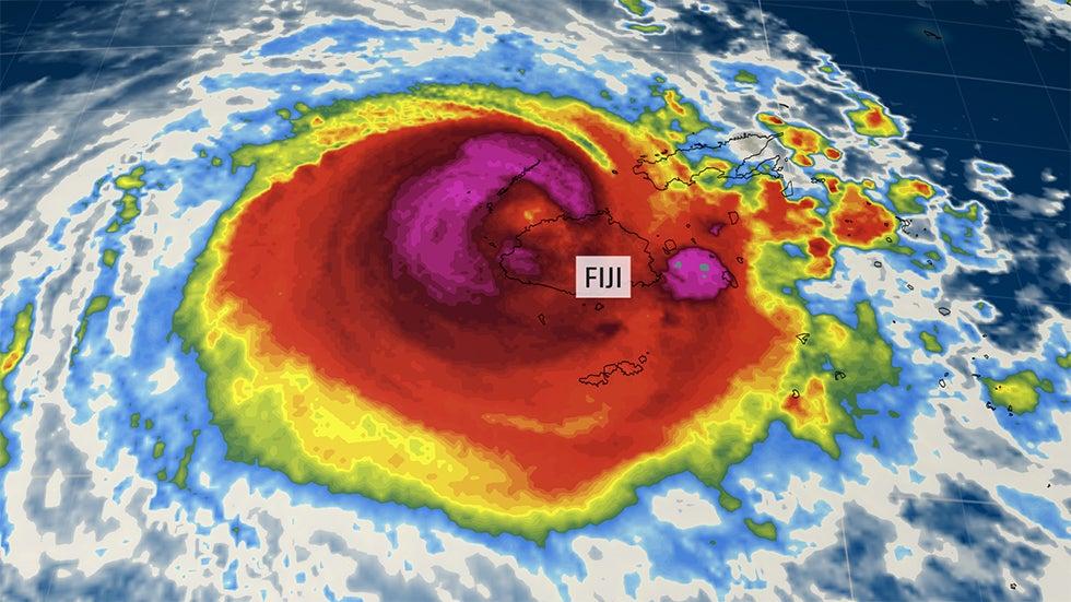 Huge tropical cyclone hits Fiji
