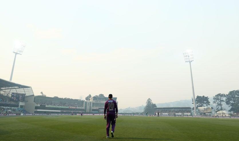 Baseball game amid wildfire smoke in Hobart, Tasmania, 1/29/19