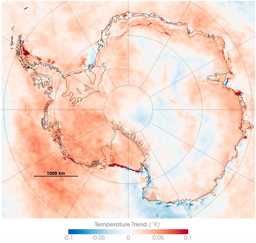Long-term changes in yearly surface temperature in and around Antarctica between 1981 and 2007