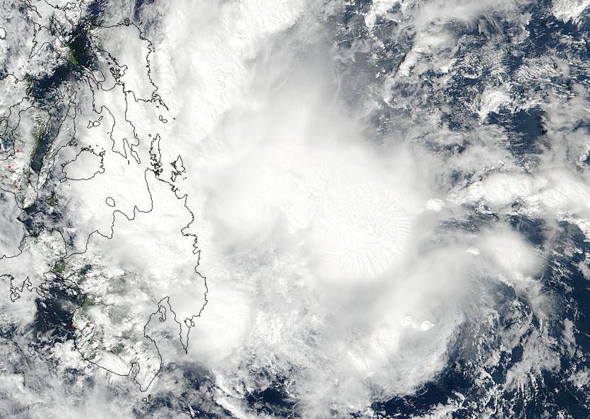 TS Samba approaching the Philippines, 2/12/2018